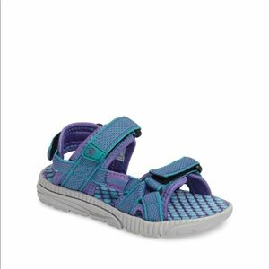 Kamik Girl's Match Sandals Size 5, 7 or 10 Toddler